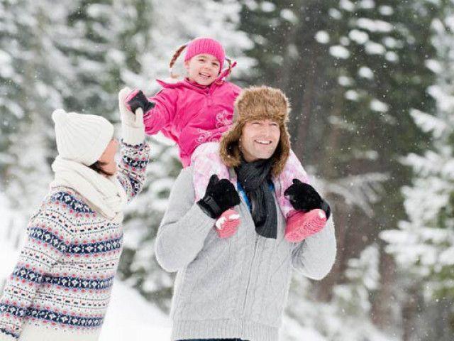 winterwandern-zur-hutte-mit-familie.jpeg